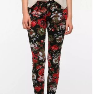 BDG Floral Red with Black Skinny Jeans Size 28